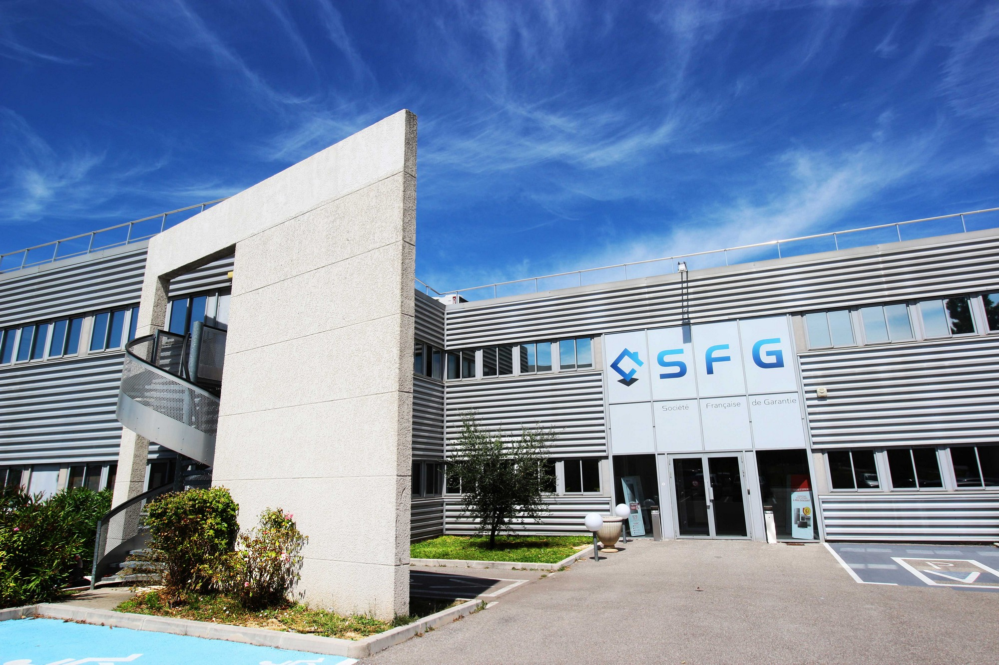 facade-SFG